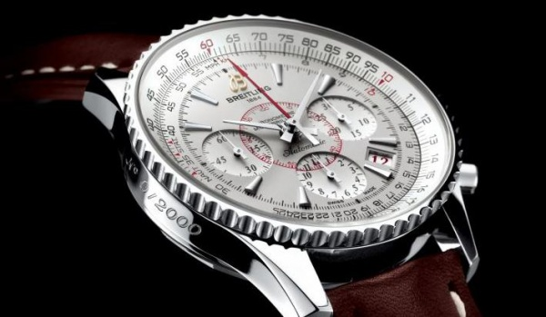 Features A New Breitling Montbrillant 01 Chronograph Replica Watch